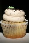 SHORT & SWEET CUPCAKES Oreo Cupcake
