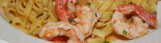 Tagliatelle 18 with side stripe prawns, chili & lemon