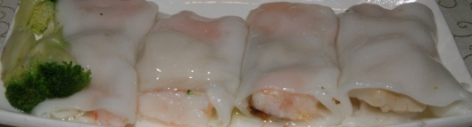 #42 Scallop & Shrimp with Spicy Sauce in Steamed Rice Roll XL 6.80