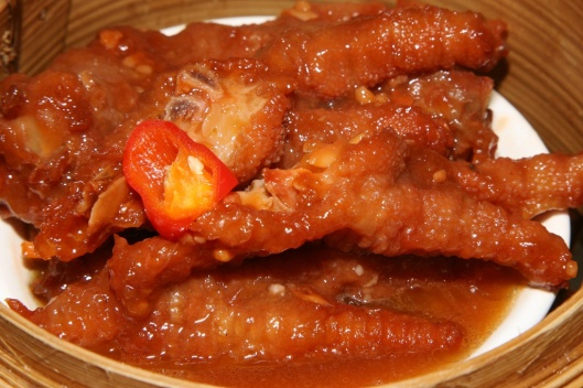 9 M Steamed Chicken Feet with Supreme Sauce $3.00