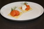Snacks - Smoked salmon, saltines & dill crema