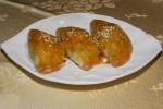 #26 Baked BBQ pork puffs M $3.00